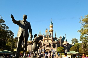 Disneyland Discounts - Partners Statue
