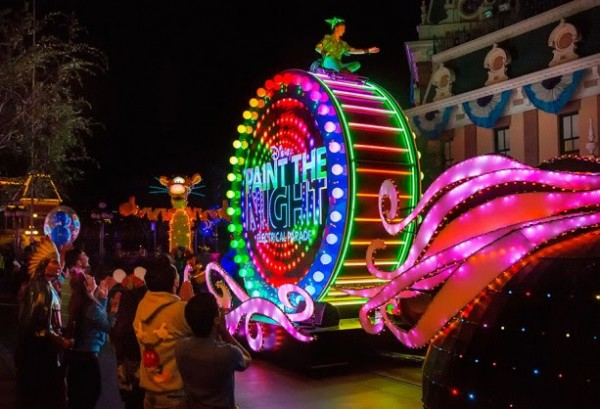 Paint the Night Parade Dining Package