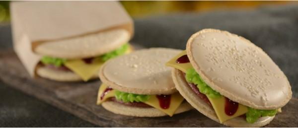 D-Luxe Burger Macaroons